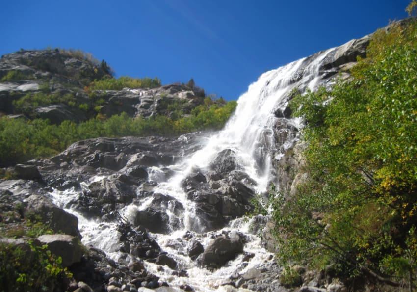Алибекский водопад высота