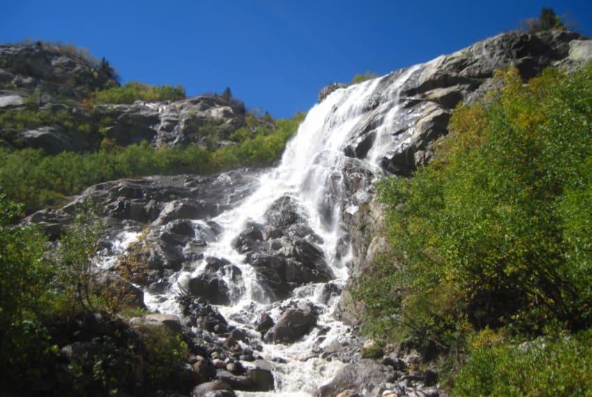 Алибекский водопад Домбай фото
